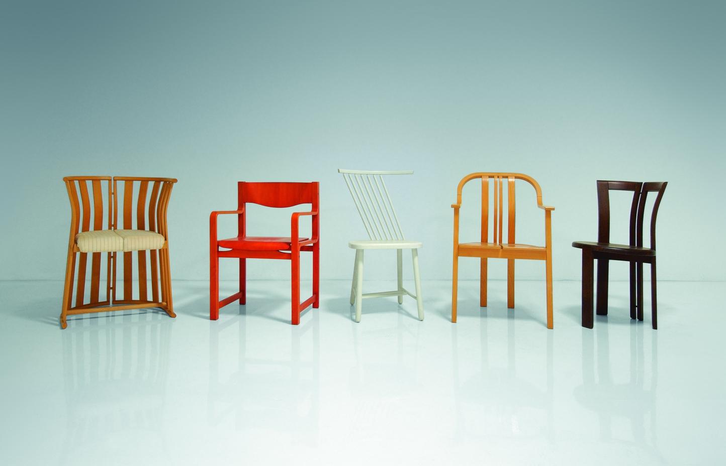 320 stoličiek – Historická kolekcia stoličiek Tatra nábytok Pravenec 1951 - 1991