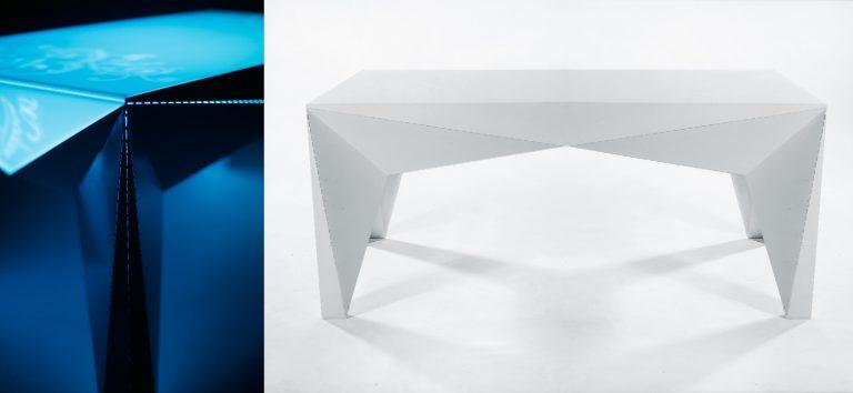 Kryštalický stolík