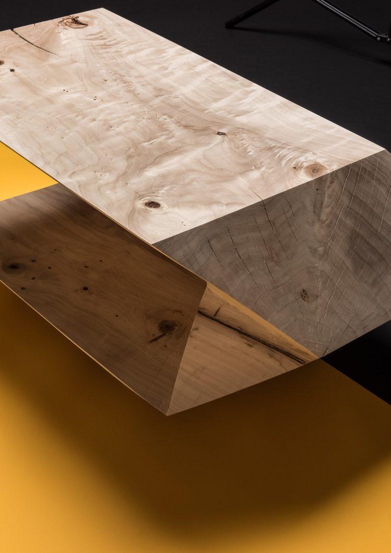 material basic konferenčný stolík N 48.1355826, E 17.1053624