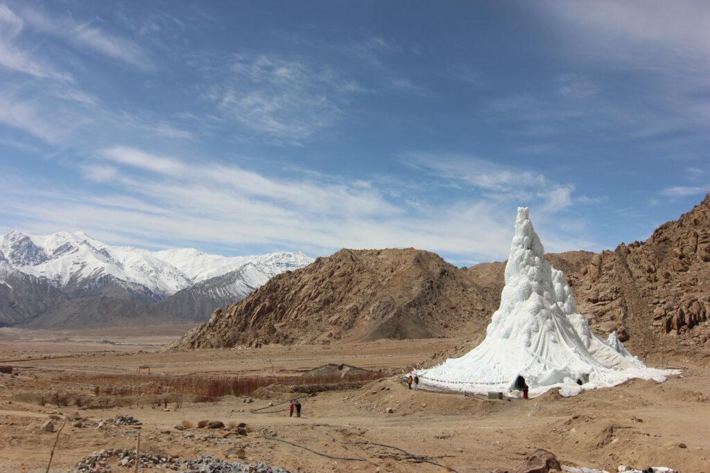 Sonam Wangchuk: Ice Stupa, 2013 – 2014. Foto: Lobzang Dadul
