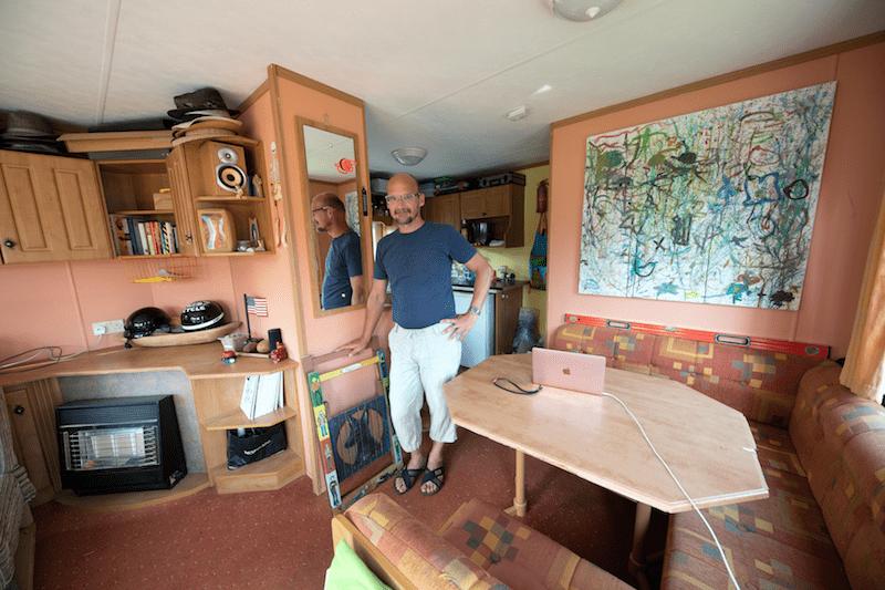 Portrait of Robert Paršo in his mobile home-studio in Kaplna, Slovakia (© Šymon Kliman)