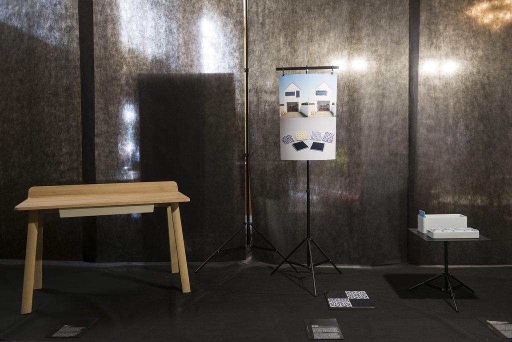 vľavo – Leo Čellár: Desk/Javorina, vpravo – Igor Žáček: Solar Tiles/Nice Visions. Cena vkategórii Dizajn spridanou hodnotou