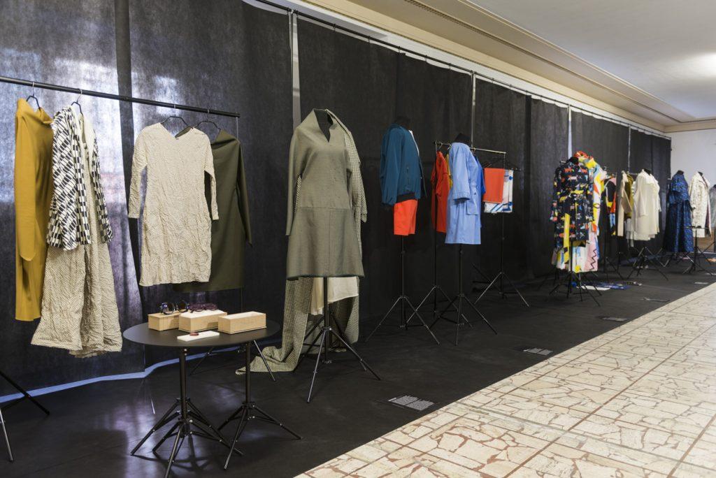 Pohľad do výstavy – módny dizajn