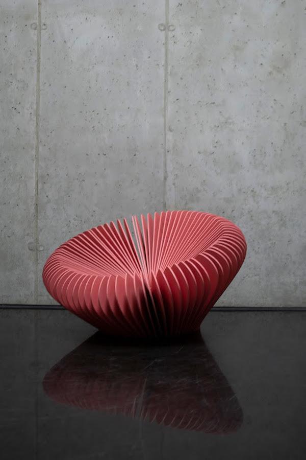 Hlavná cena v kategórii Semestrálne práce dizajnu nábytku: Edgar Ondroušek: Instant – T, TU Zvolen, Foto Andrea Polakovičová