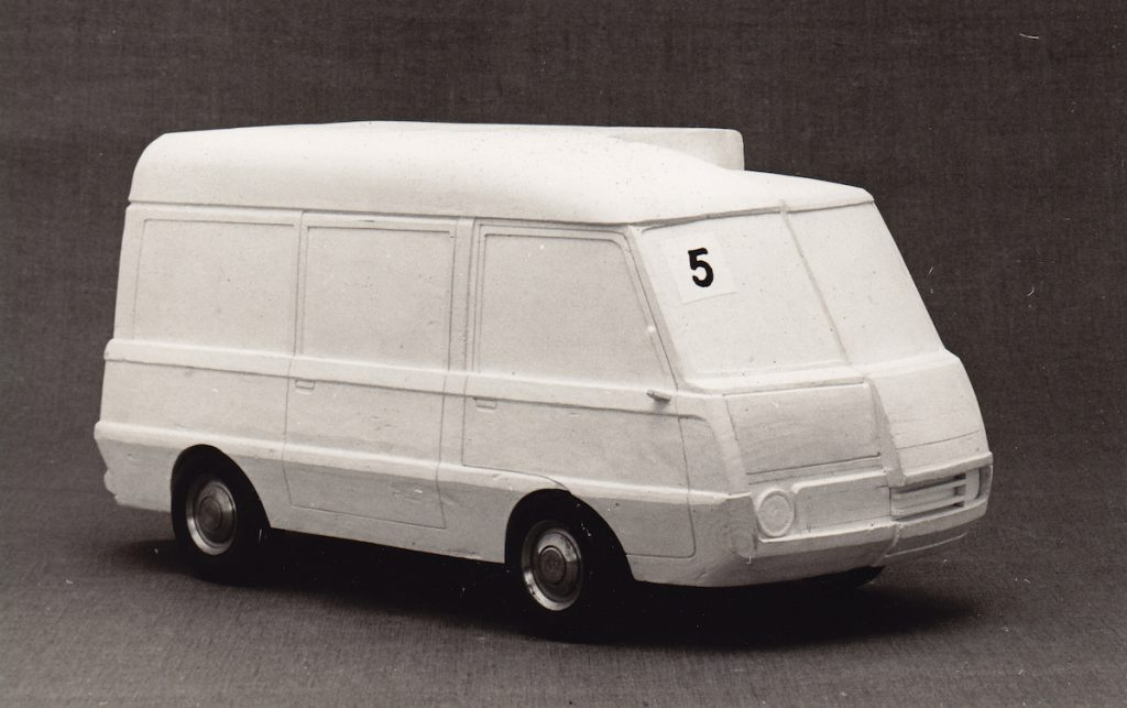 Štúdie dodávkových automobilov, fotografie. BAZ, 1975. Foto archív SMD