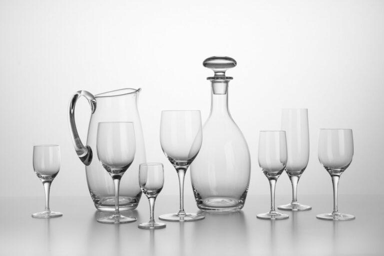 Kolekcia 8 kusov pohárov, karafa so zátkou a džbán LR 1033, replika