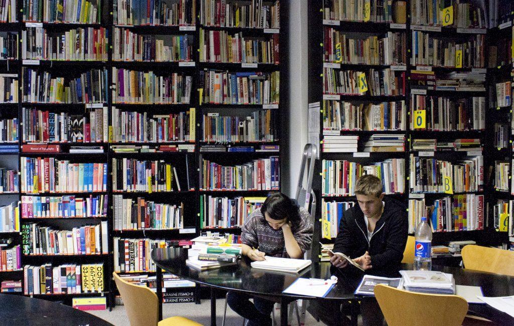 Priestory Knižnice SCD na Jakubovom námestí 12 v Bratislave. Foto: archív SCD