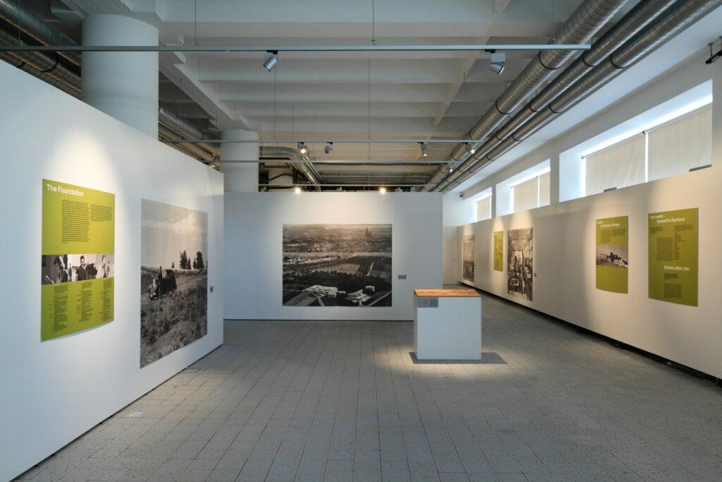 Výstava Ulmský model, 14. budova areálu Baťových závodov. Copyright: Ulm Museum, HfG Archive. Foto: Archív KGVUZ.
