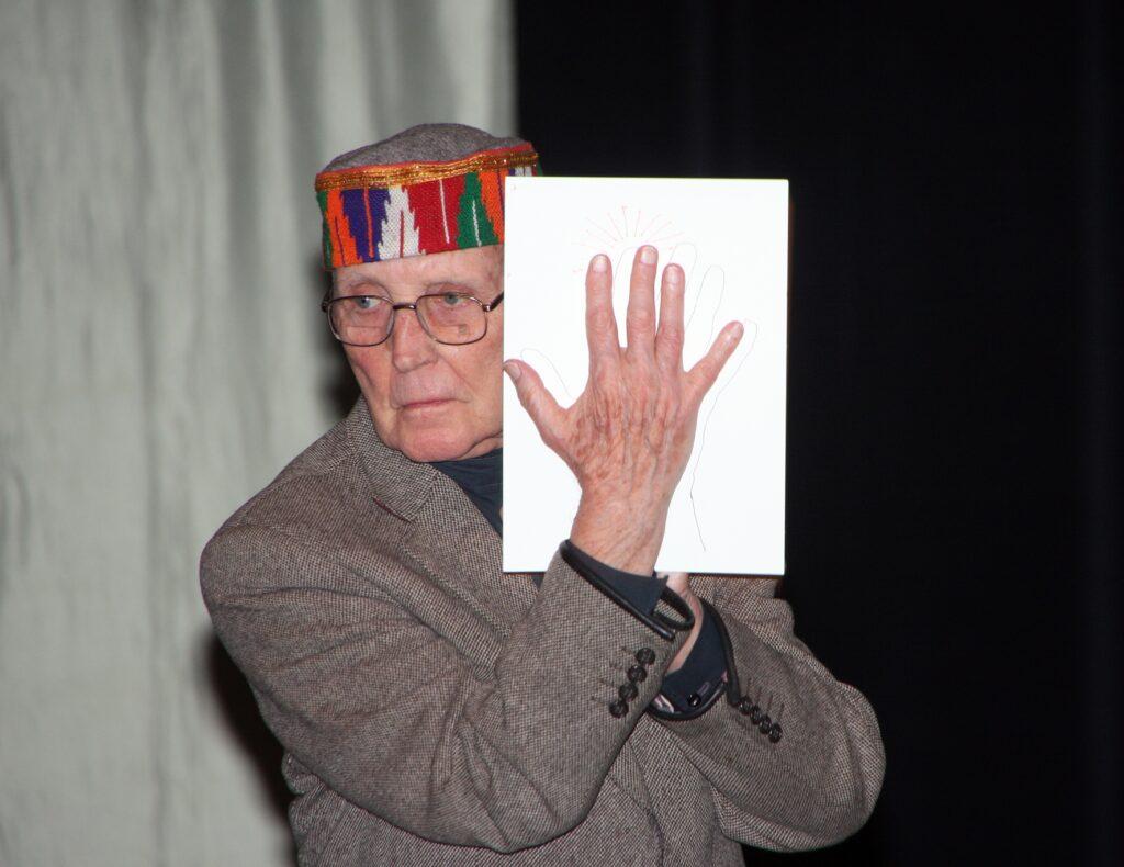 Ken Garland, autor legendárneho manifestu First Things first