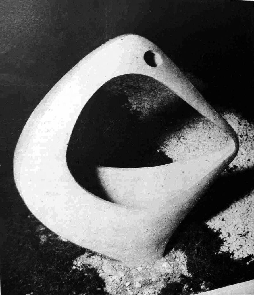 Ľubomír Jakubčík Záhradná keramika, Kamenina, 1958