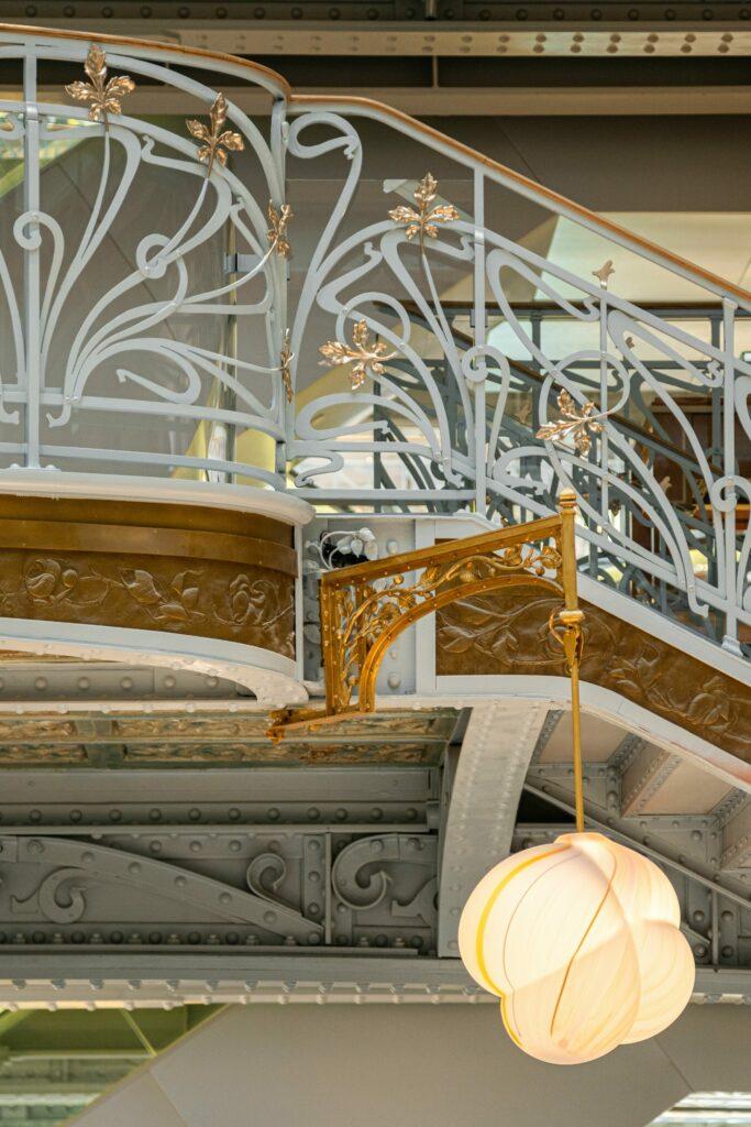 Ústredné schodisko vLa Samaritaine, detail. ©WeAreContent