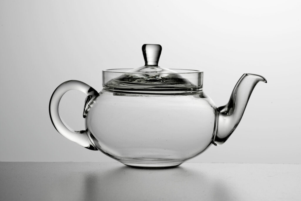Ladislav Sutnar, kanvica na mlieko zo súboru na čaj, 1931, návrh pre Krásnu izbu