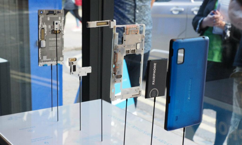 Fairphone parts.jpg