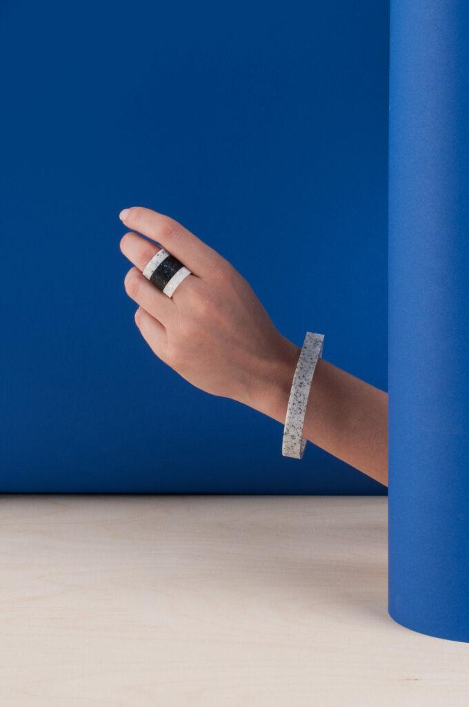 ALLT STUDIO / Stones rings and bracelets Foto © ALLT STUDIO