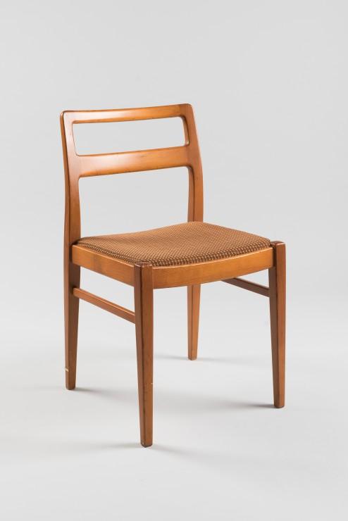 Ladislav Gatial, jedálenská stolička, Tatra nábytok Pravenec, 1966. Zbierky SMD. Foto Adam Šakový