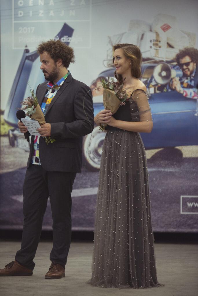 Z udeľovania ocenení NCD 2017 v Novej Cvernovke. Maroš Schmidt a Anna Macaláková, riaditeľka generálneho reklamného partnera SCD J&T Banky. Foto archív SCD