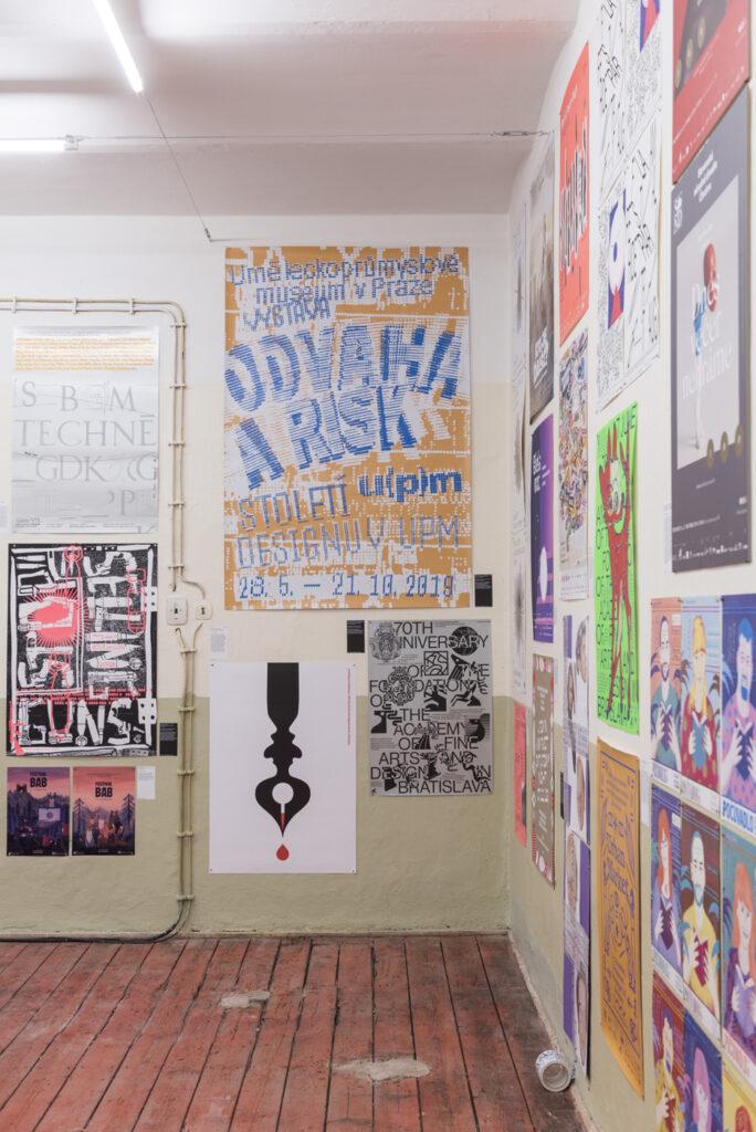 Z výstavy NCD 2020 v nevyužívaných priestoroch Hurbanových kasární. Foto archív SCD